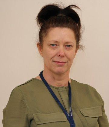 Mrs Linda Robson