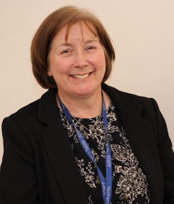 Mrs Lynn Nichols